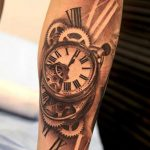 tattoo montre